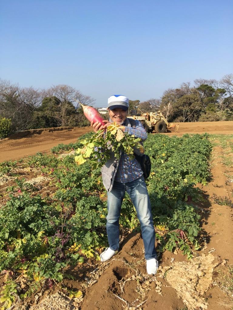 水信スタッフが青木農園で収穫体験